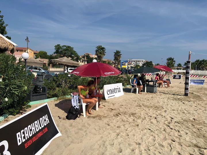 Ci si vede a #CiròMarina? Stessa spiaggia stesso mare Torneo Beach Volley #PuntaAlice &…