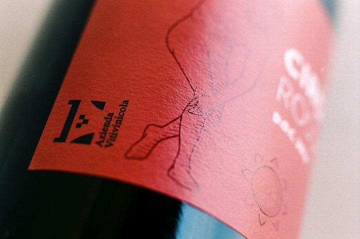 #Cirò rosso: profumo intensamente vinoso, delicato e gradevole. Ogni giorno sulla tua tavola! #CantinaEnotria…
