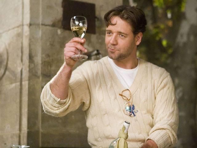 Divano comodo, ottima compagnia e vino buono! #CineWine è la rubrica d'abbinamento Cine/Vino di…