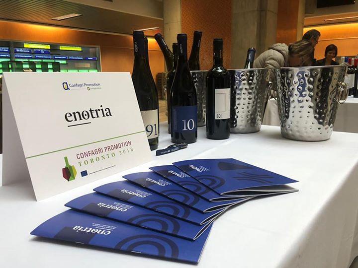 #CantinaEnotria oltreoceano! Presenti con le nostre etichette alla ConfAgri Promotion a Toronto. Raccontiamo di…