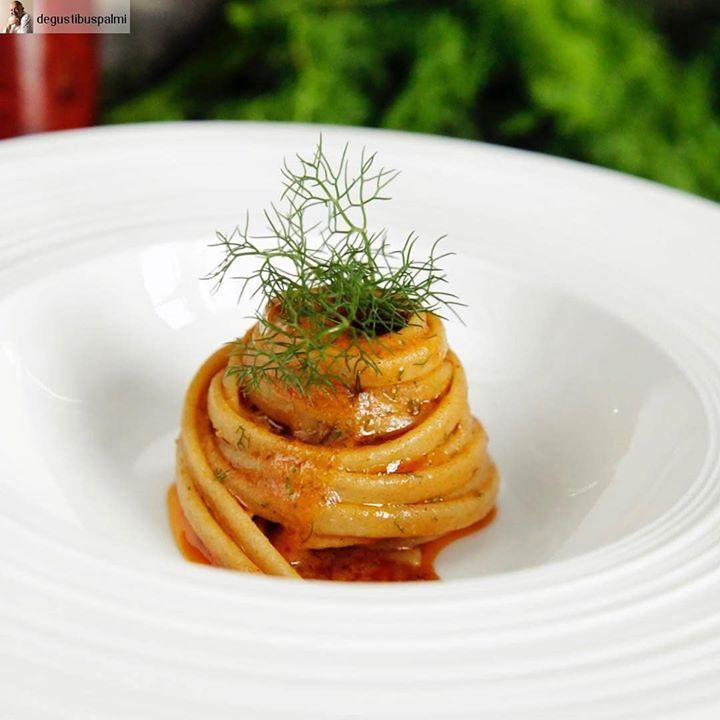 C'è tutta la #Calabria in questo piatto! Stroncatura alla sarda salata di #CiròMarina. La…